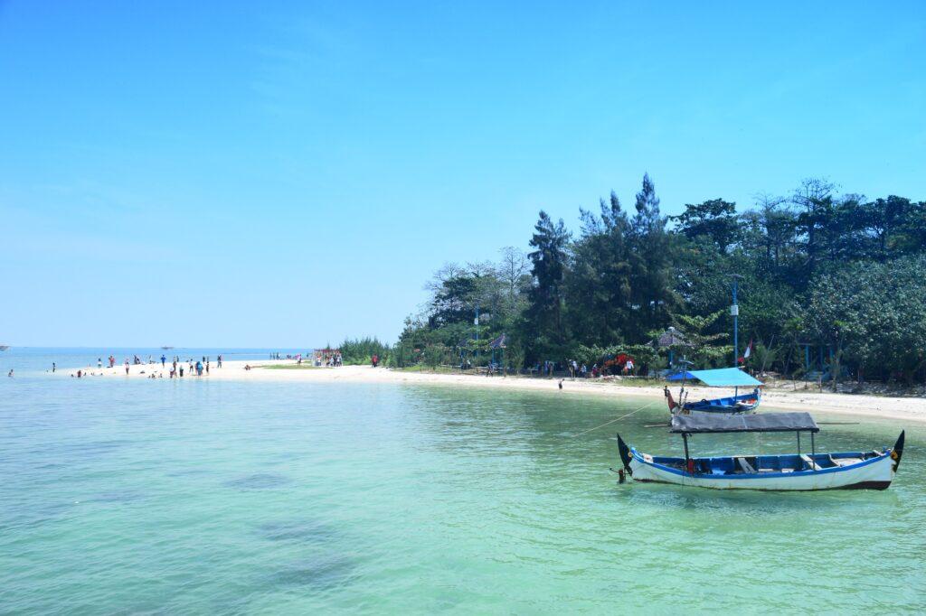 Jernihnya Air Laut di Pulau Panjang