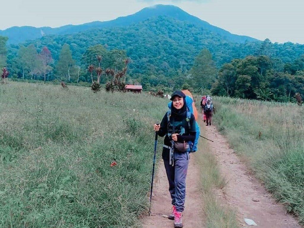 Memulai langkah penjelajahan jalur wisata Gunung Sibuatan Dairi Sumatera Utara - misbahulljannah