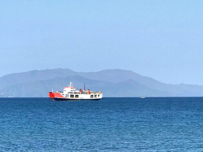 objek wisata pantai mandra kolaka