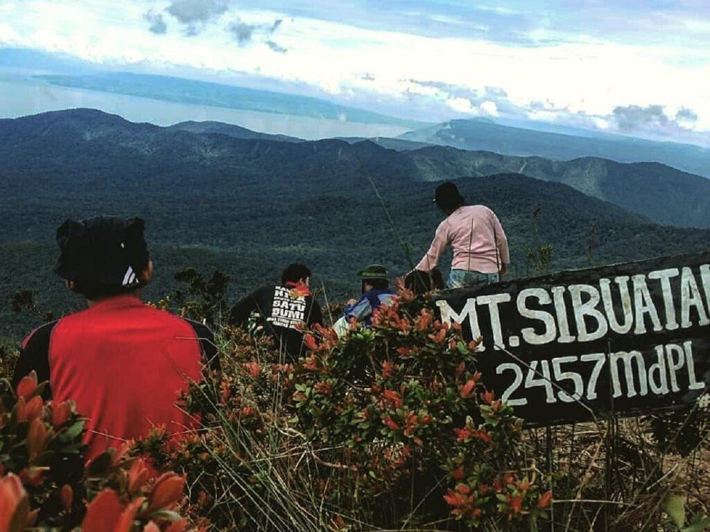 Suguhan panorama Gunung Sibuaten Dairi Sumatera Utara -rezahardiansyah09