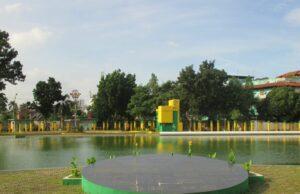 area kolam di taman sri deli