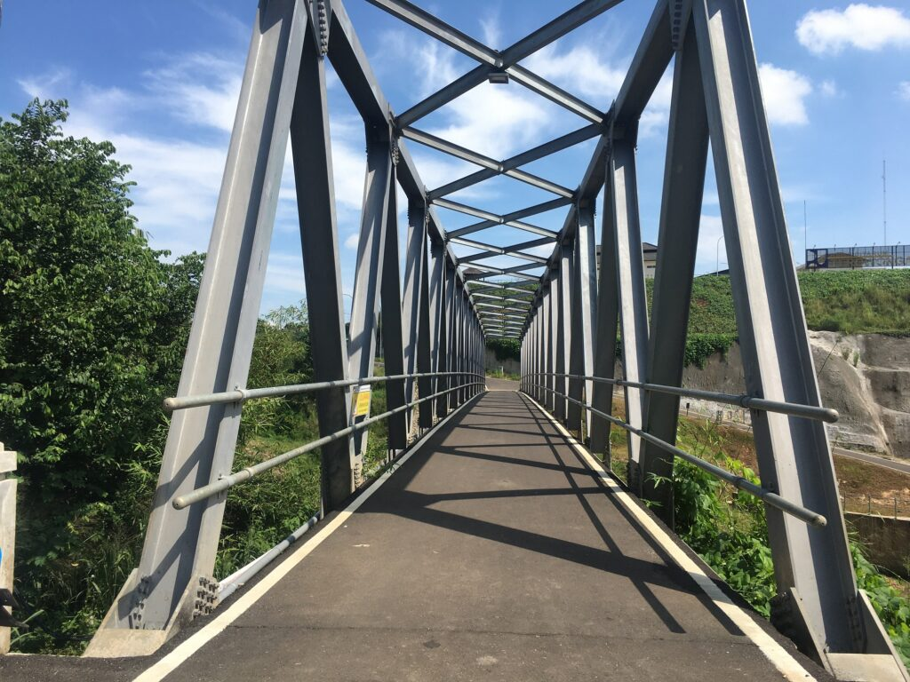 Jembatan yang dapat menjadi Spot Foto di Curug Jompong