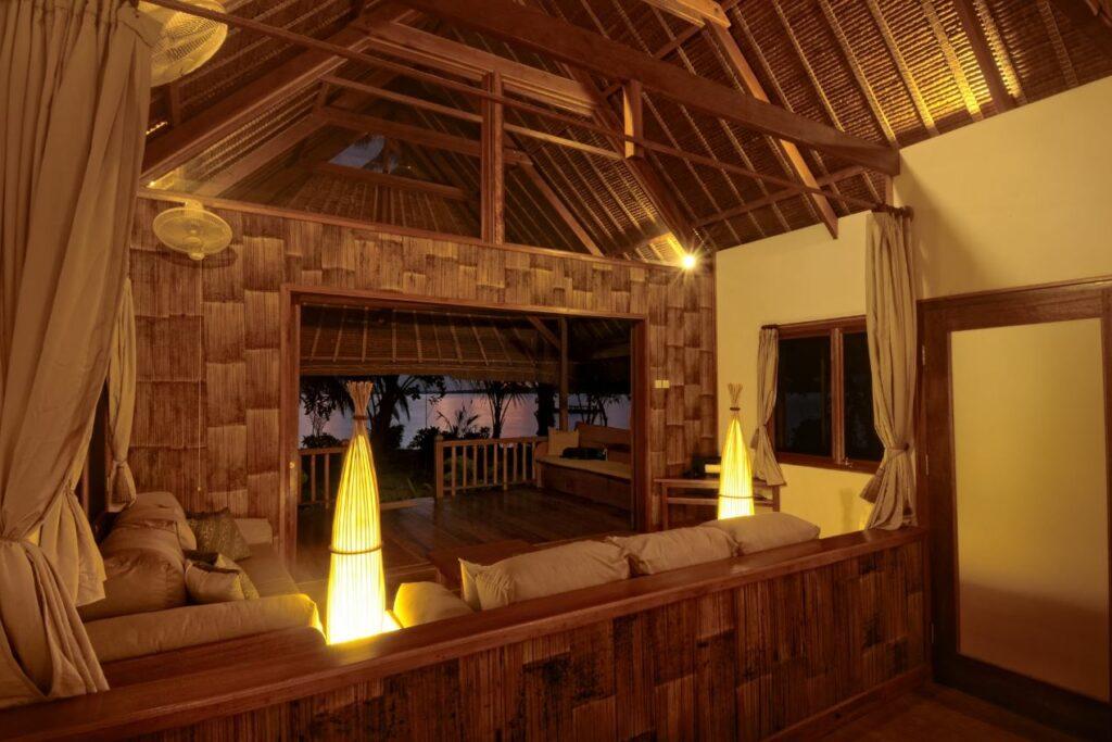 Tipe kamar Bungalow di WavePark Mentawai Resort