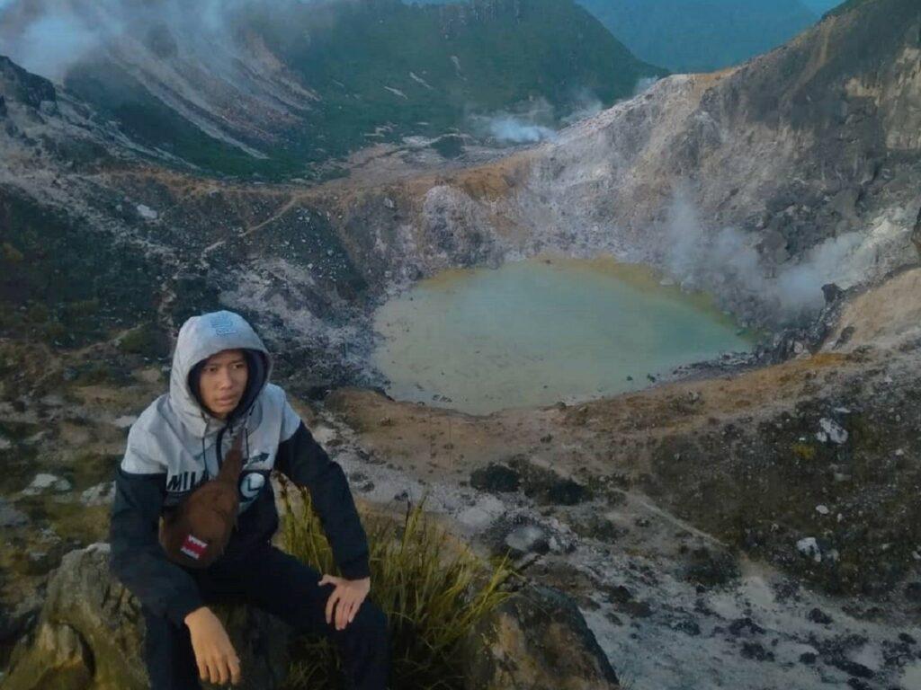 Kawah Gunung Sibayak Karo Sumatera Utara - yoshuazefrihalim