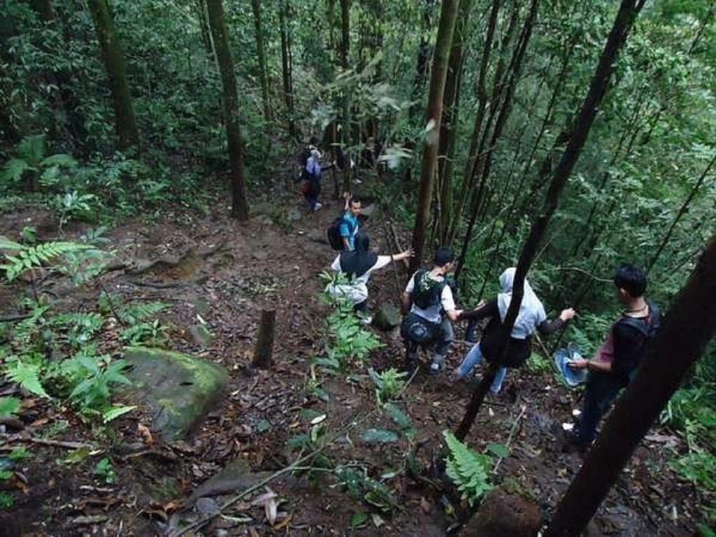Mendaki Gunung Sibayak Karo Sumatera Utara melalui jalur 54