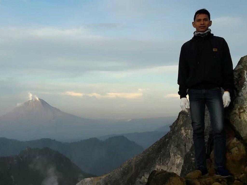 Panorama dari puncak Gunung Sibayak
