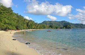 Pemandangan Indah Hijaunya Pantai Prigi