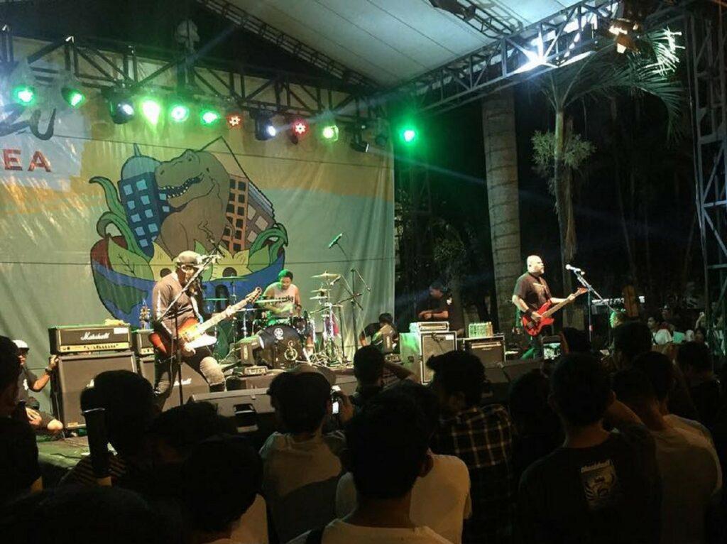 Pertunjukan musik yang digelar di Taman Ahmad Yani Medan Sumatera Utara - bss_soundmedan