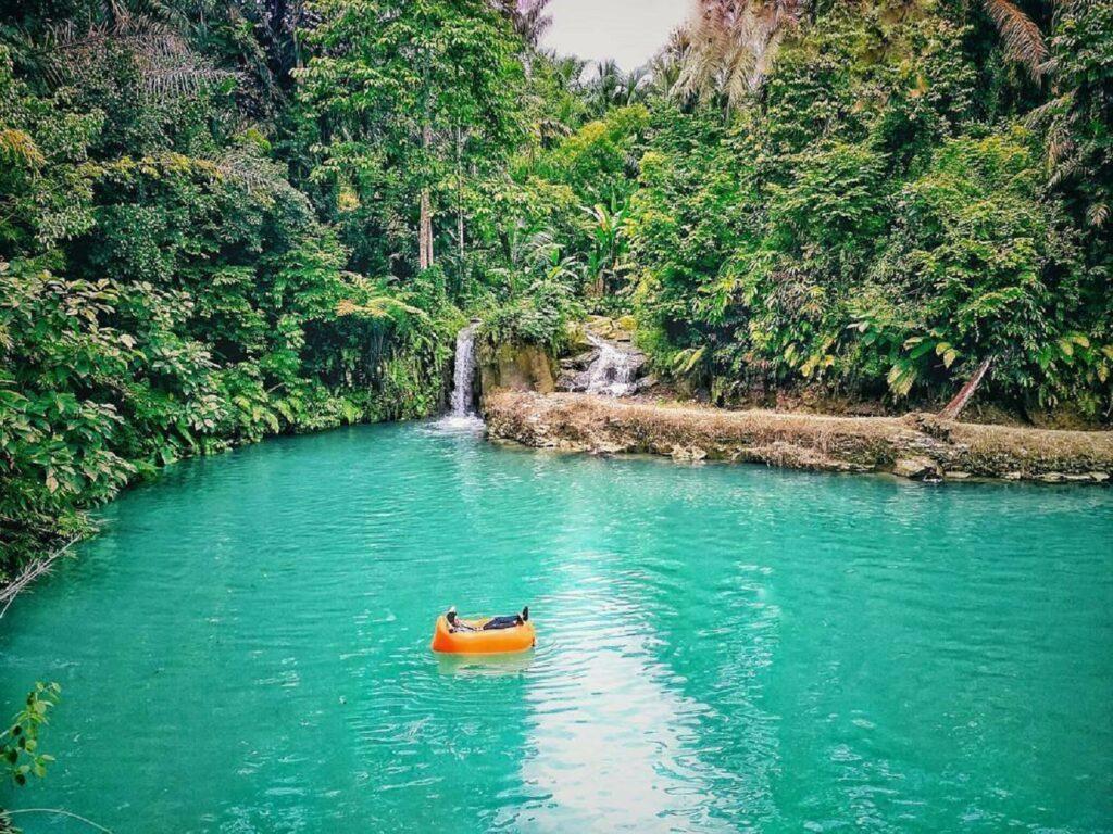 Tangkahan Bah Alip danau hijau di dalam area ekowisata