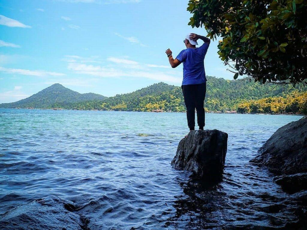 Menikmati panorama alam Pulau Lemukutan Bengkayang Kalimantan Barat - joniharvand