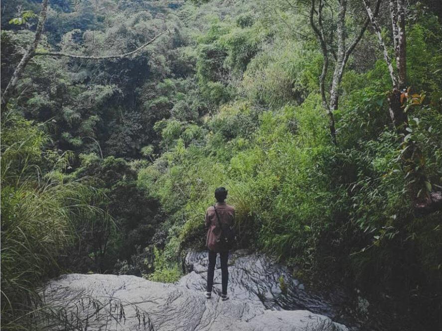 Panorama di sekitar Air Terjun Badorai