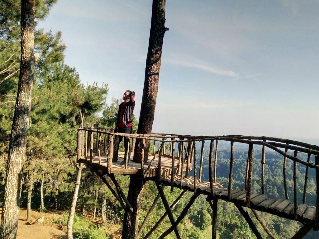 Gardu Pandang tempat Foto Terbaik untuk Mendapatkan Pemandangan