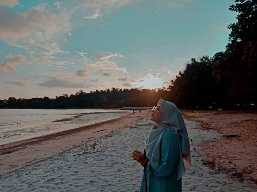 Menyusuri keindahan garis pantai Pantai Pulau Datok