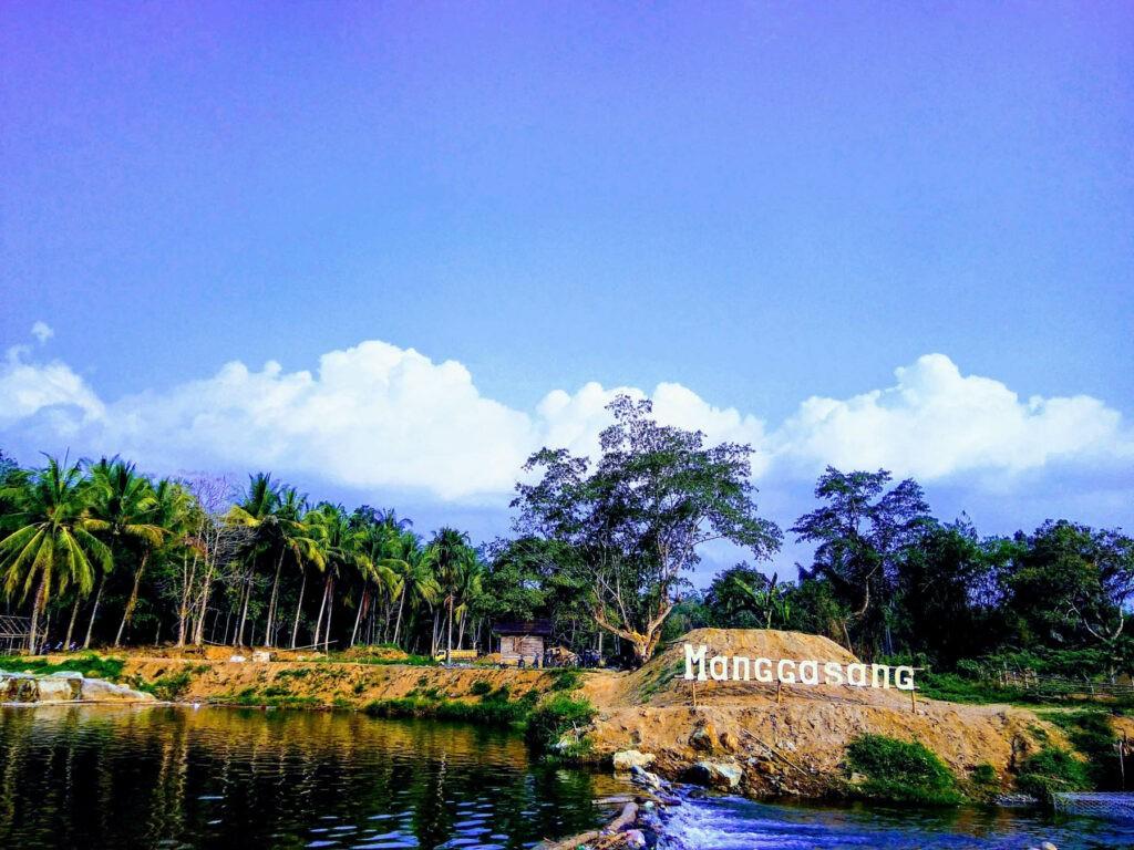 Pemandangan obyek wisata alam Manggasang yang asri