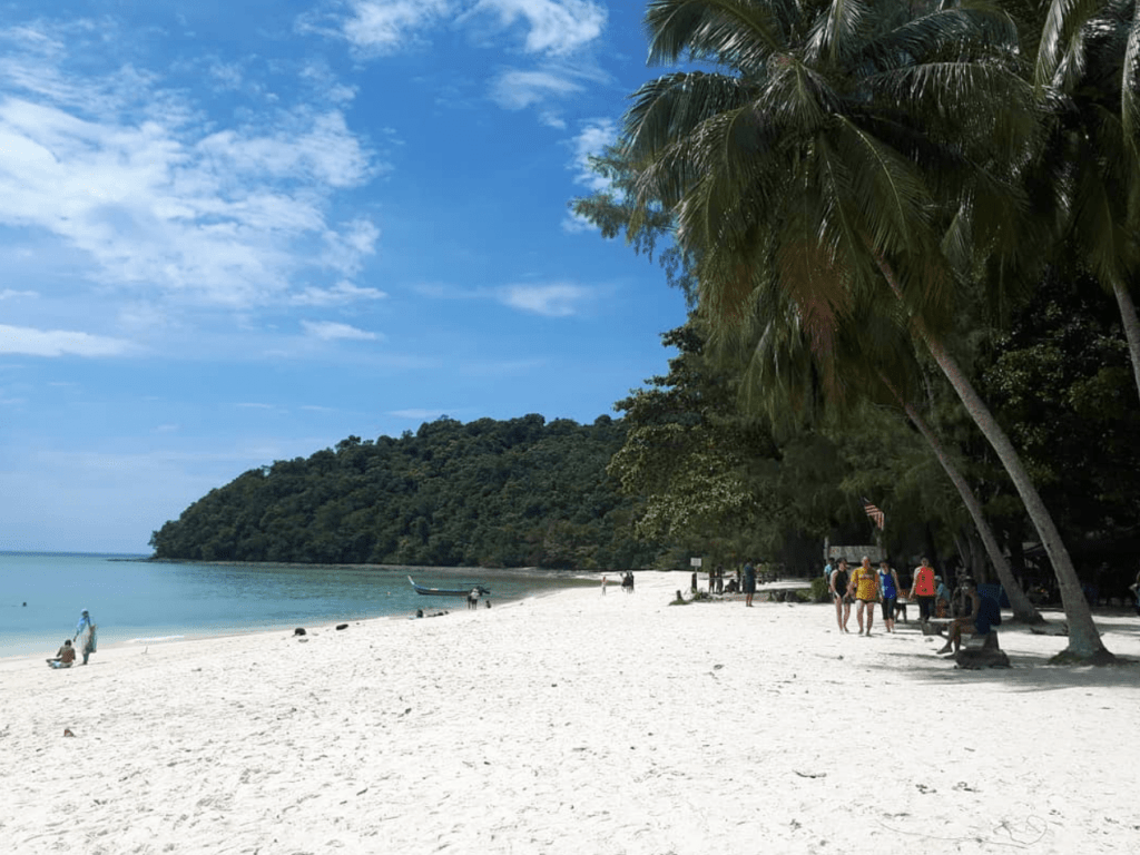 Pantai Pulau Beras Basah