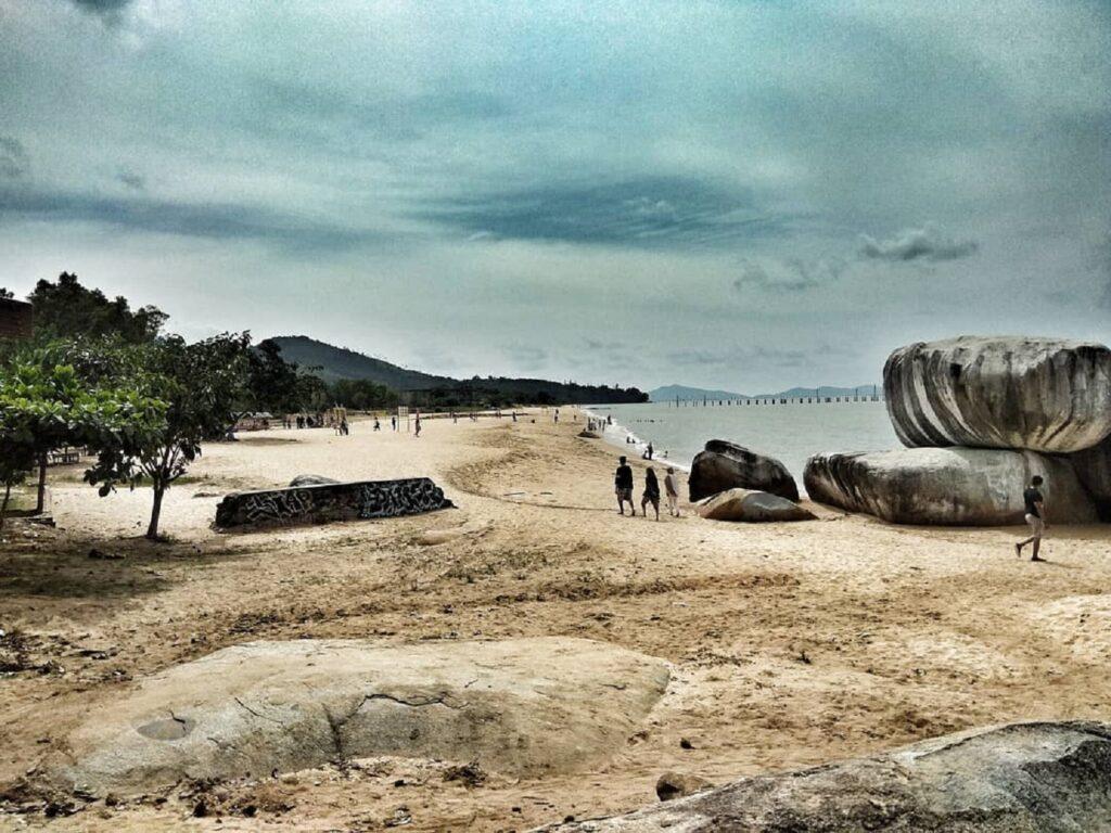 Pantai Samudera Bengkayang Kalimantan Barat - ennyfitriati