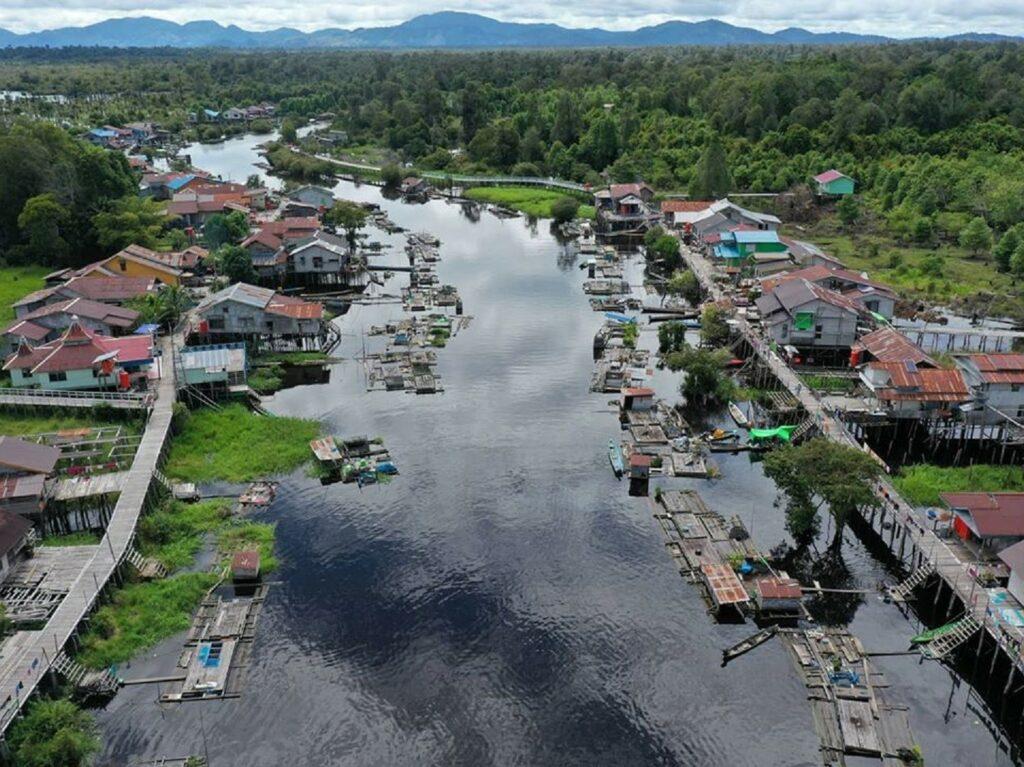 pemukiman warga lokal danau sentarum