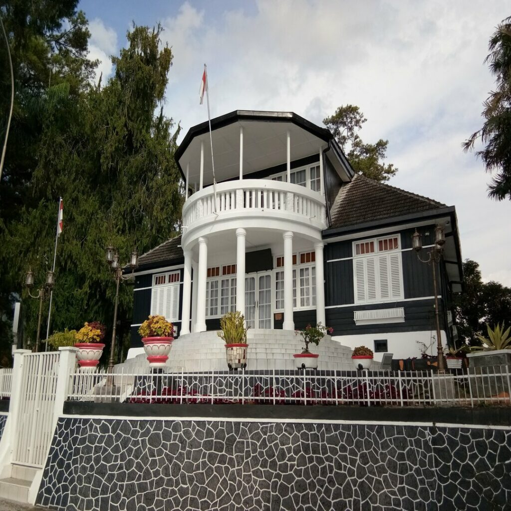 Rumah Persinggahan Ir. Soekarno
