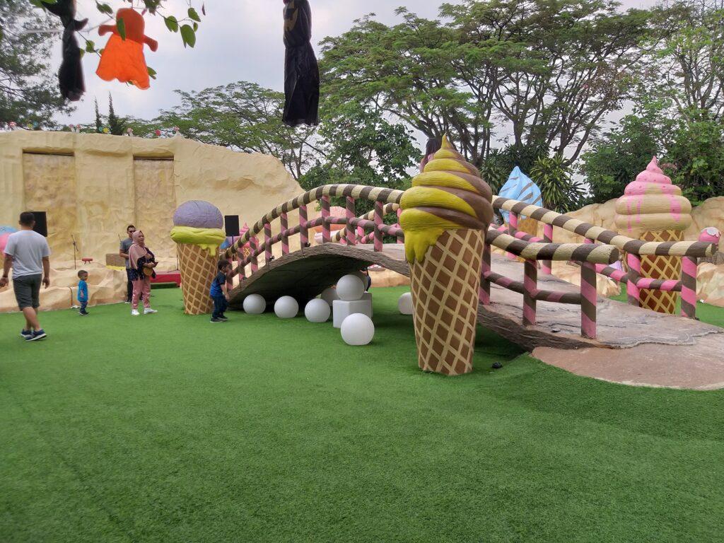 Warna - Warni Kawasan Taman Ice Cream
