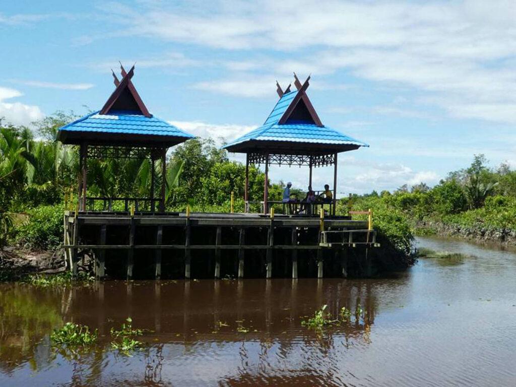 Gazebo tempat bersantai di Taman Nasional Tanjung Puting