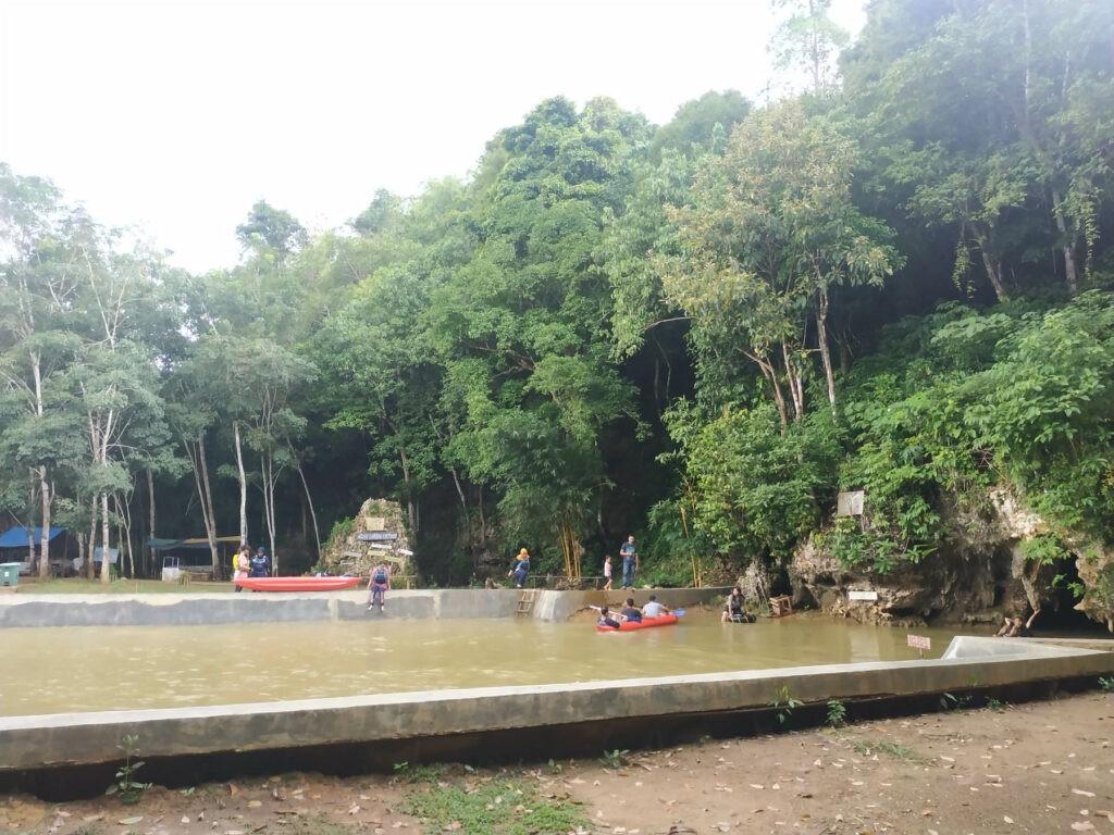 kolam pemandian yang aman untuk anak-anak