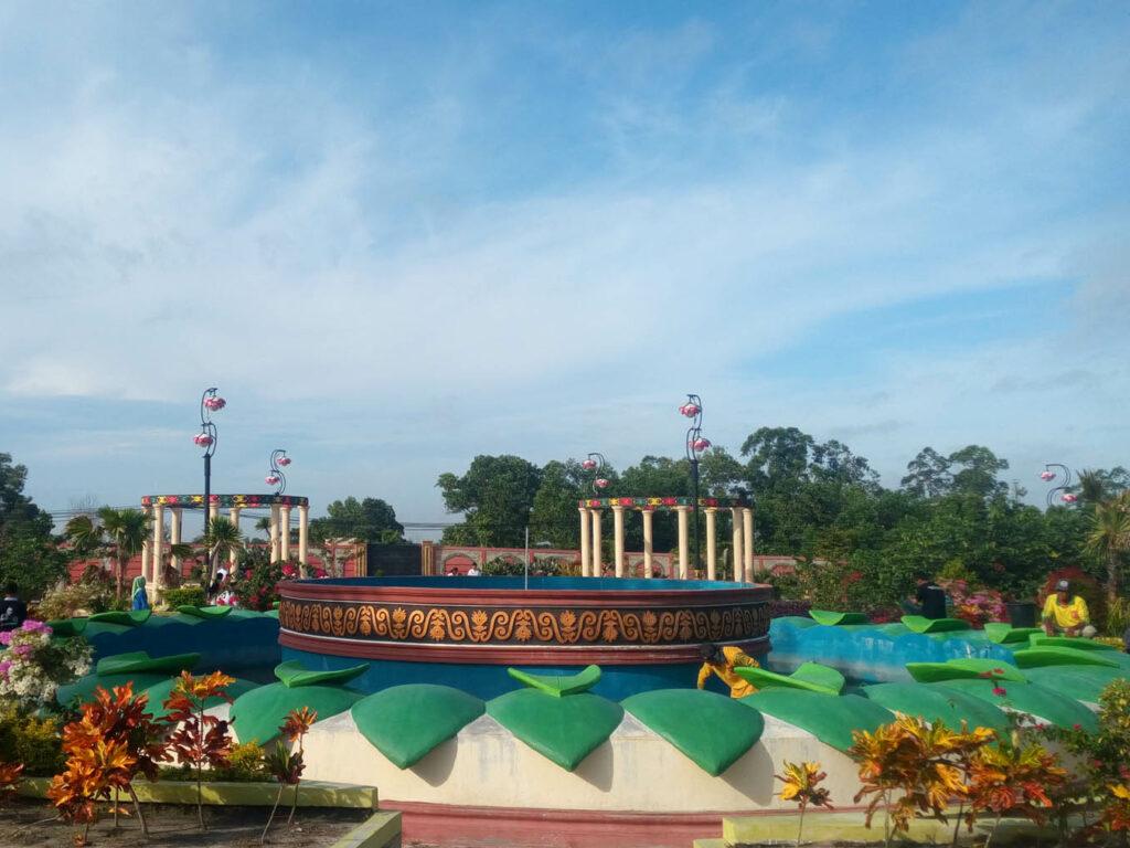 PANGKALAN BUN PARK: Area Rekreasi Di Taman Kota November 10