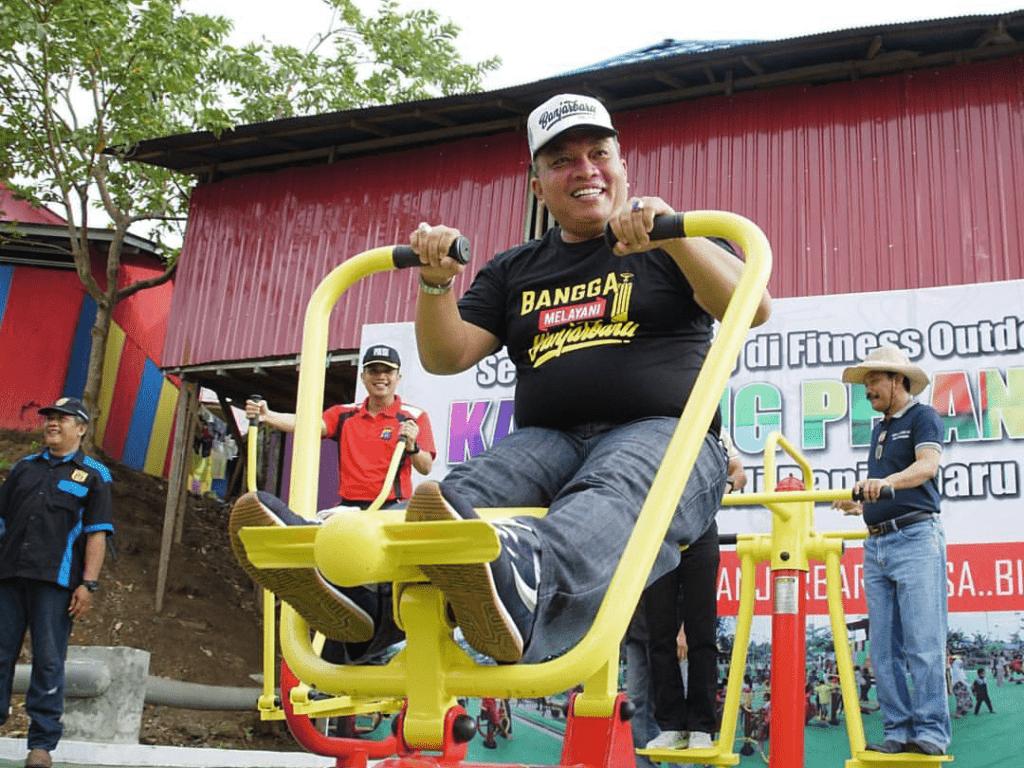 Salah satu alat fitness di Kampung Pelangi