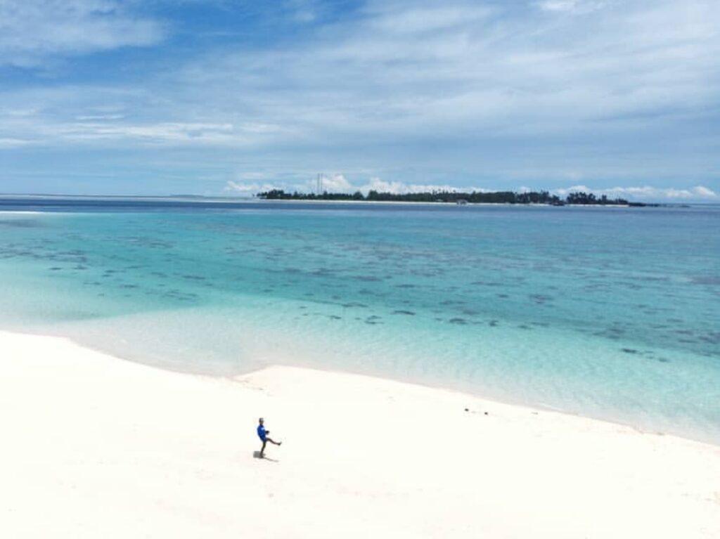 Gusung Sanggalau dengan pasir putih