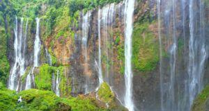 Keindahan panorama perbukitan air terjun coban Sewu