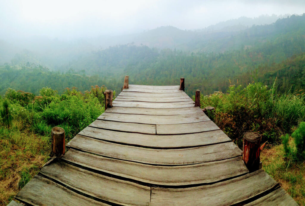 Gardu pandang untuk menikmati panorama alam
