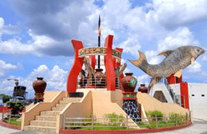 monumen ikan jelawat