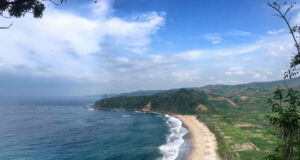 pantai modangan yang mempesona