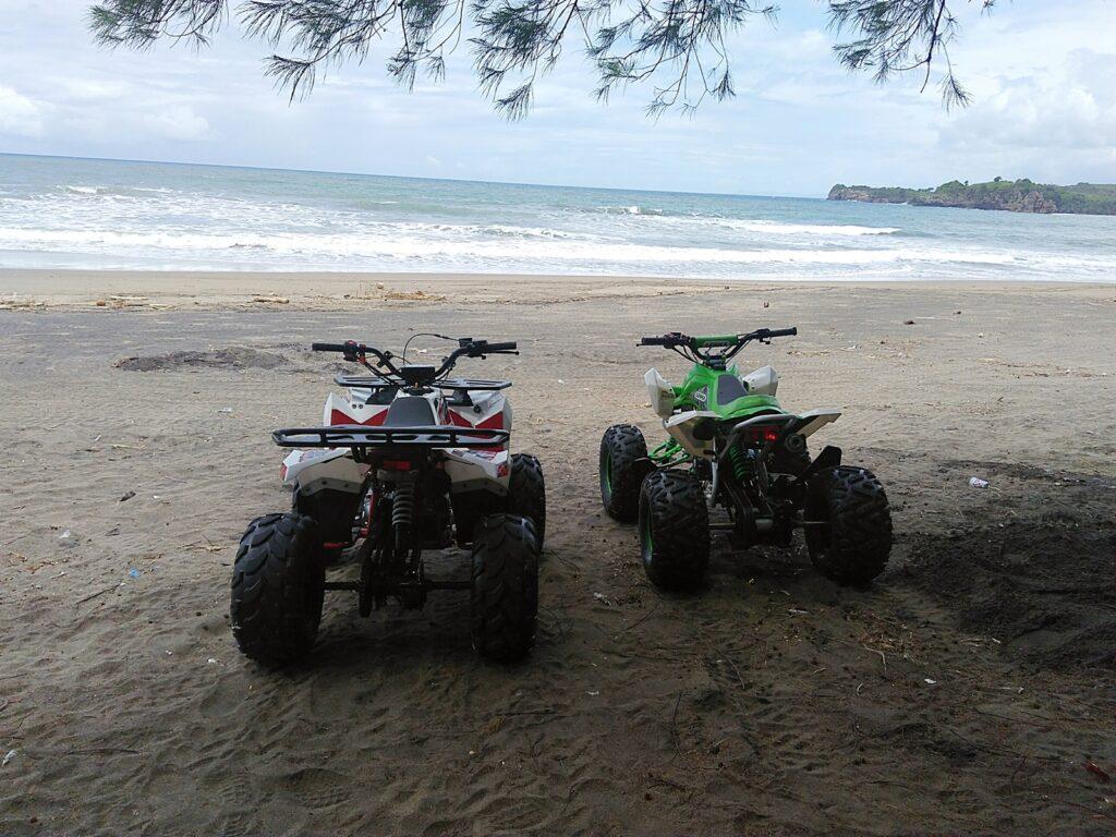 Dua ATV berdampingan