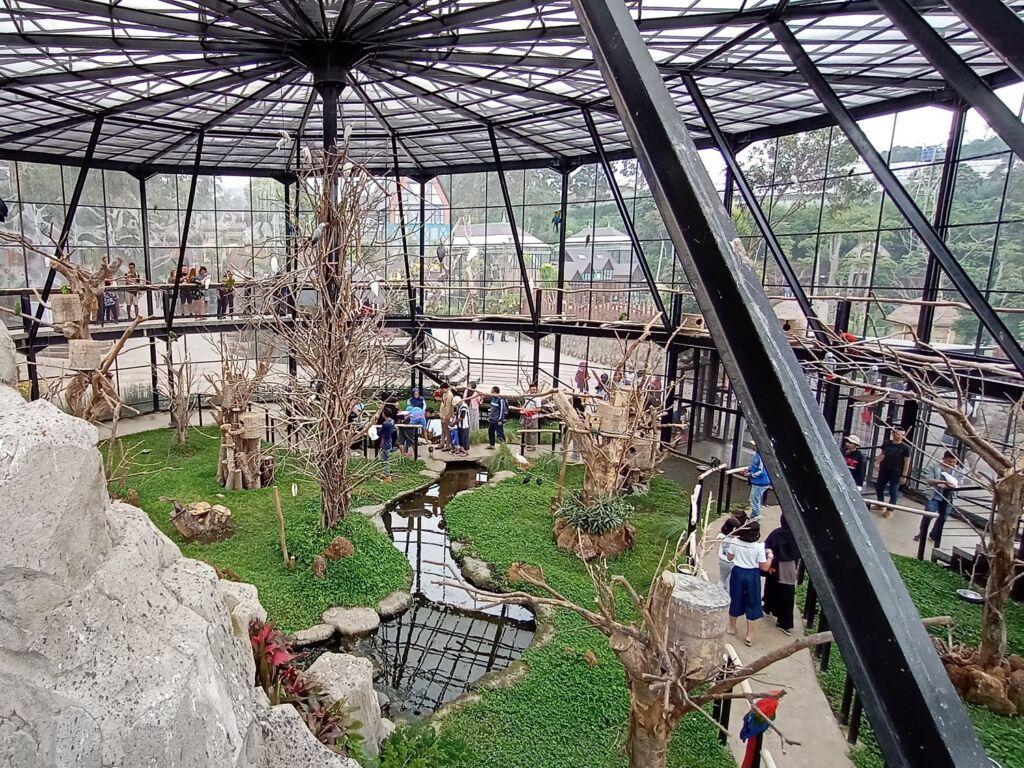 Bird Aviary Lemabang Park Zoo