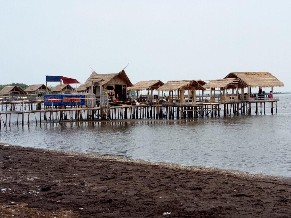 Saung di Pantai Karangsong