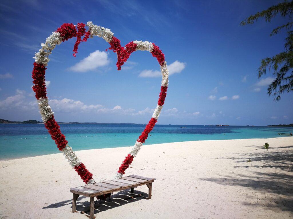 dekorasi untuk foto di Pantai Beralas Pasir
