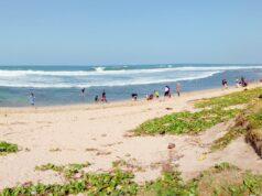 area tepi pantai berpasir putih di sayang heulang