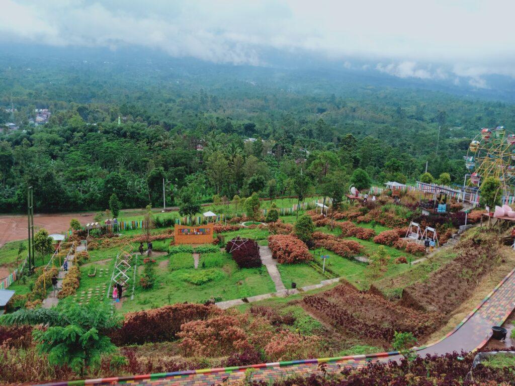 Taman Langit dan spot-spot selfie di area pegunungan Bukit Tangkeban