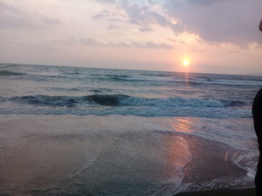 Matahari Terbenam di Pantai Citepus