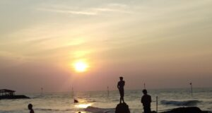 Pemandangan Indah Matahari Terbenam