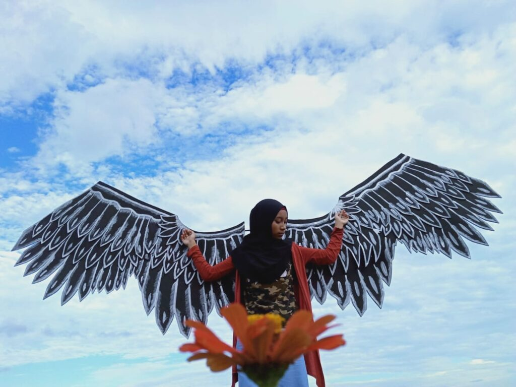 Wahana foto berbentuk sayap burung