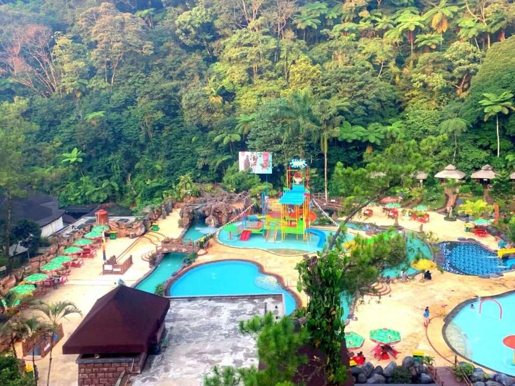 kolam dan wahana air waterpark taman safari bogor