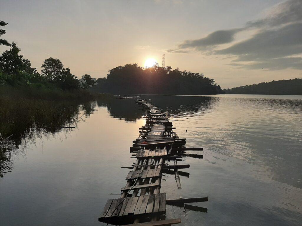 area rekreasi memancing di Waduk Jatibarang