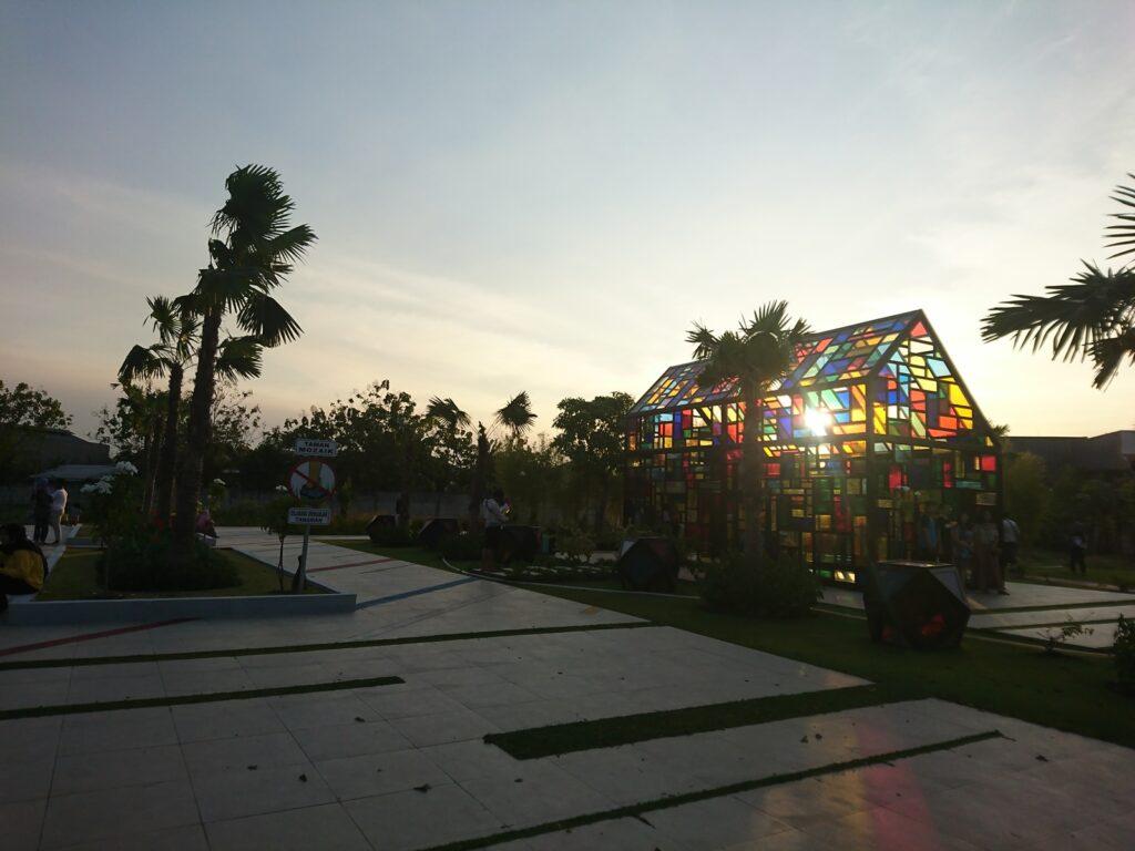 Taman Mozaik di sore hari