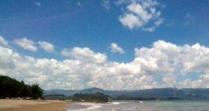 area tepi pantai citepus berpasir putih kecokelatan