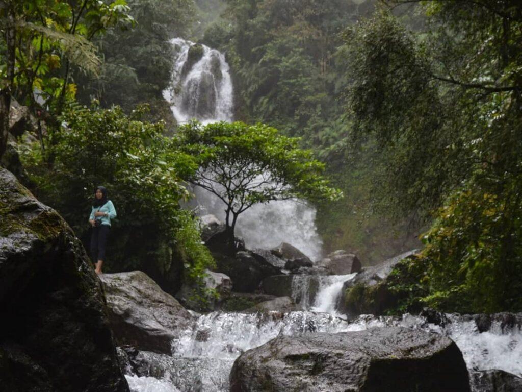 Curug Ciherang pilihan tempat wisata di Bogor bagi pecinta air terjun