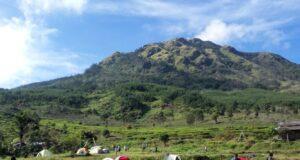 Susana berkemah di Gunung Ungaran