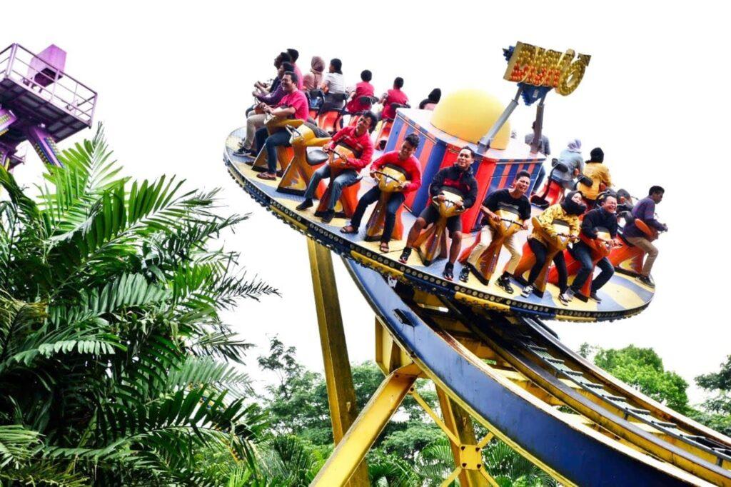 Wahana Disk-O di JungleLand Adventure Theme Park