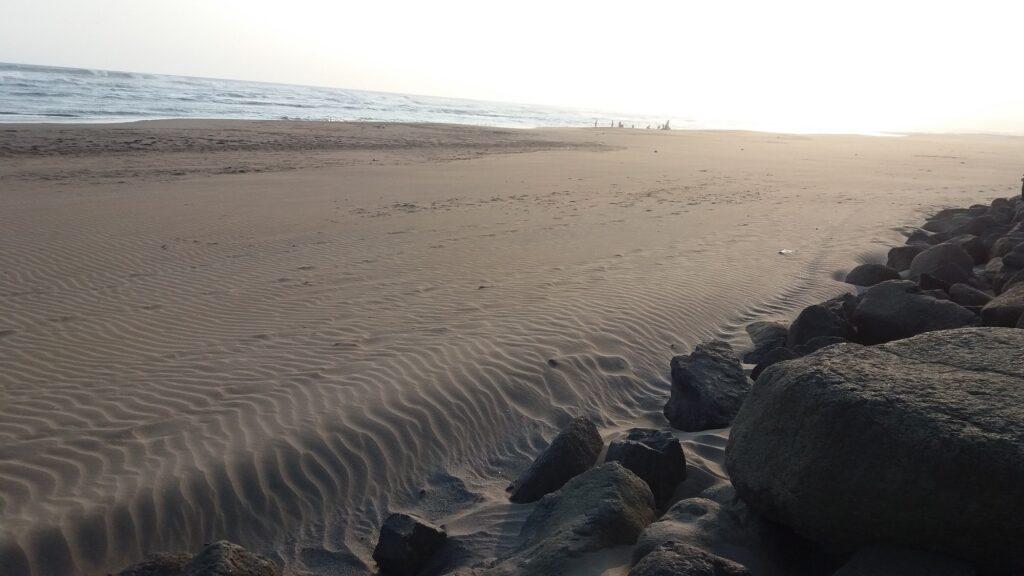 Pasir Pantai yang Tampak Lembut