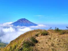 Pemandangan gunung sindoro dari gunung kembang